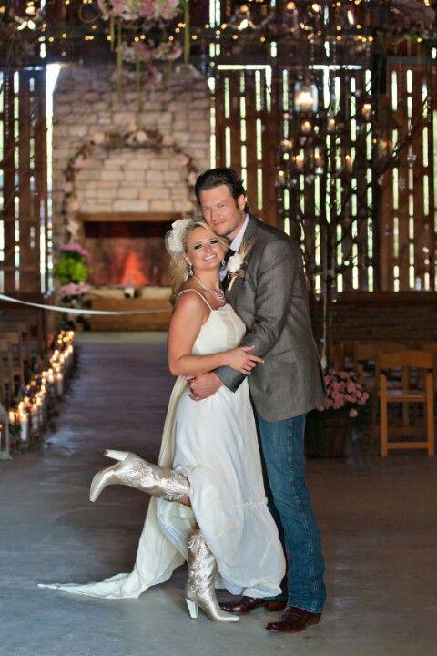 Blake Shelton And Miranda Lambert Wedding Photo Grew Up In Ada