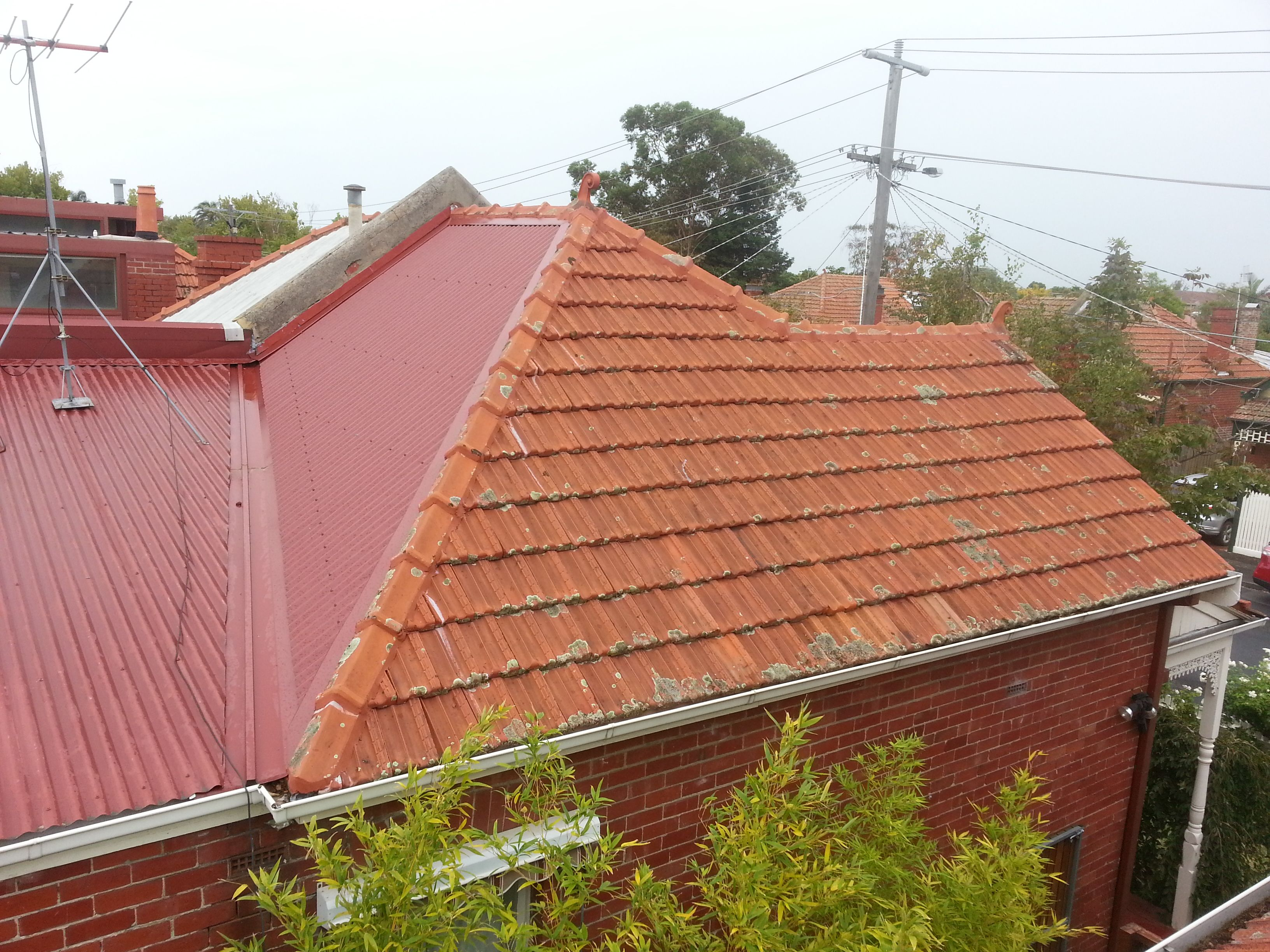 Best Colorbond Roofing With Terracotta Roof Repairs Manor Red 400 x 300