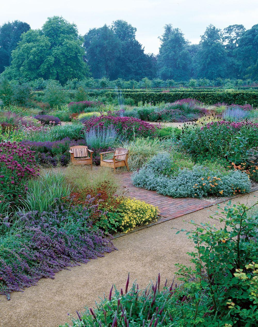 Contemporary Garden by Piet Oudolf in Yorkshire, England ...