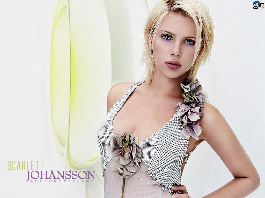 Scarlett Johansson Hot HD Wallpaper #29