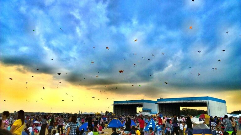 Sky full of kites. 19th Hot Air Balloon Fiesta. Pampanga|Philippines