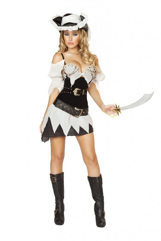 25+ Pirate Halloween Costumes | Pirate halloween costumes, Pirate ...
