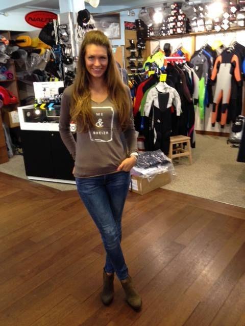 Mélanie Craignou, Miss France 2014, portant un de nos modèles Breizh Angel,  à Ponant Shop, à Perros-Guirec. 28a1cd91d86