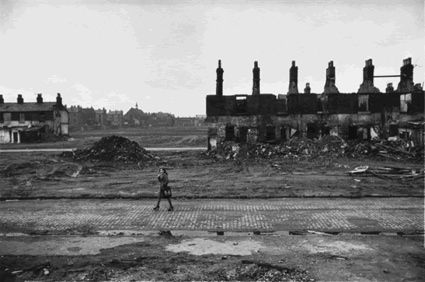 Don mccullin slum clearance liverpool great britain late 1960s history happened and - British kitchen sink films ...