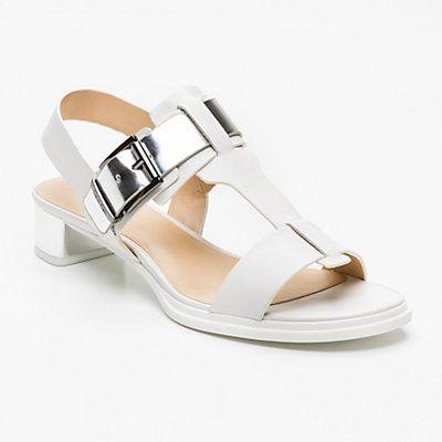 Sandalias de cuero blancas y plateadas  Tacón: 3 cm