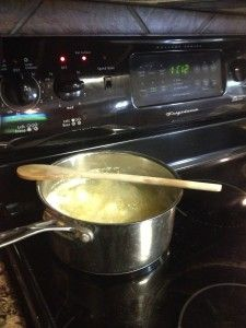 Place a wooden spoon over boiling water and it will not boil over, awesome!! www.pinvestigated.com