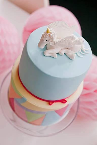 Voorbeeld eenhoorn op taart.