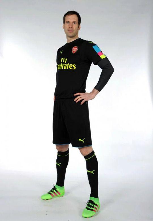 87b06cc5 Petr Cech in Arsenal's 16/17 goalkeeper's kit #PetrČech #PetrCech #BigPete  #ArsenalFC #AFC #newkit