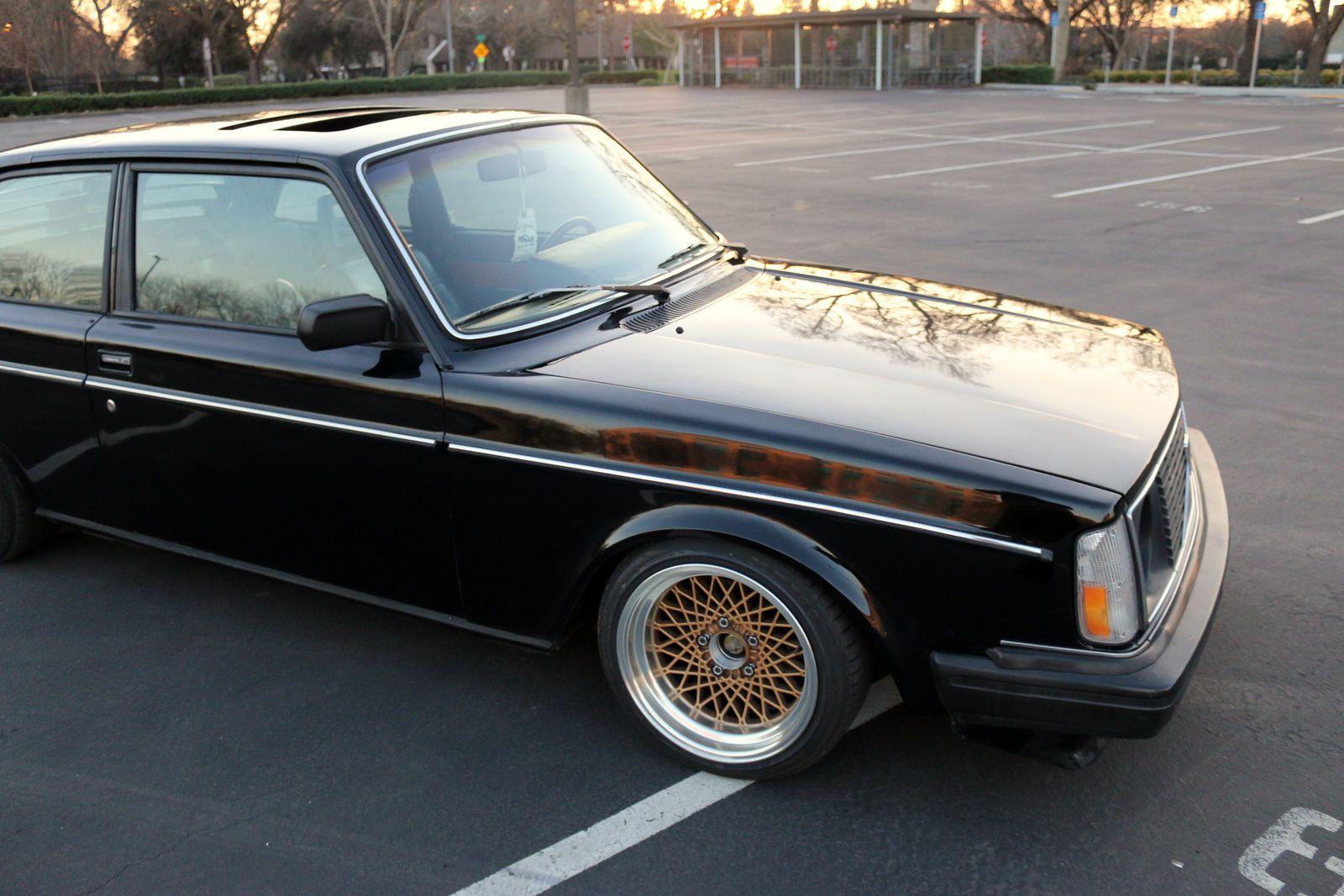 Volvo 242 80s Style