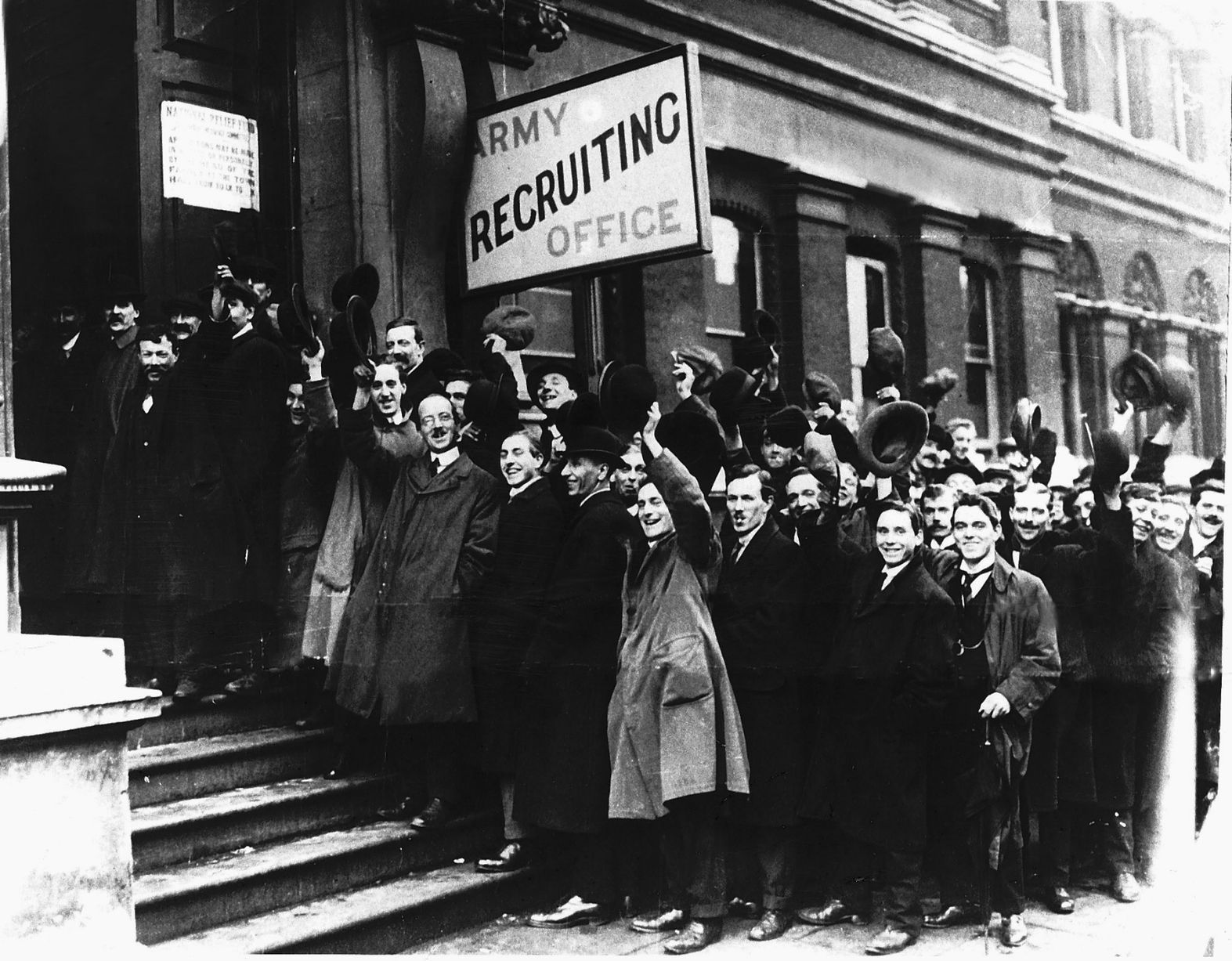 Recruiting office in 1914