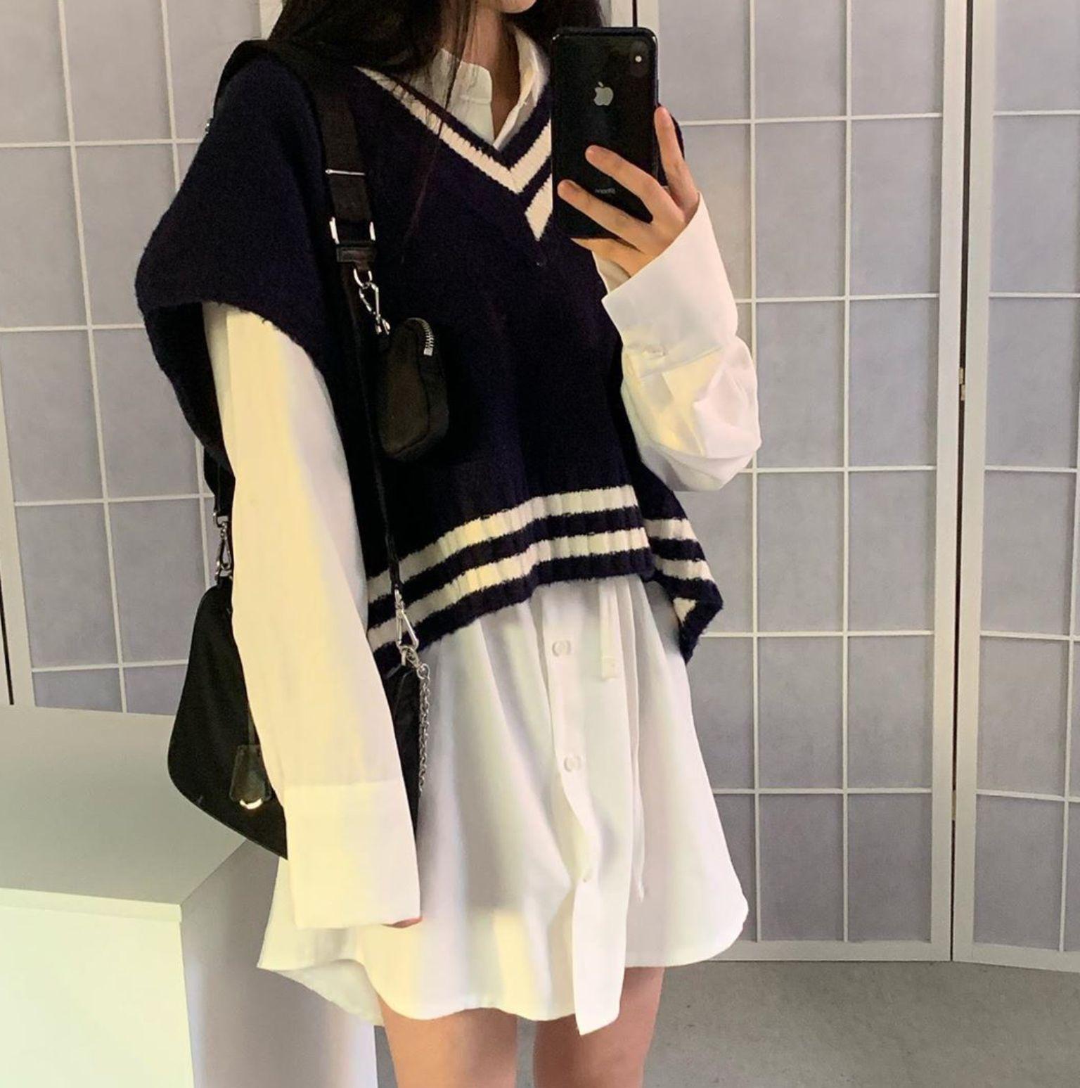 R O S I E In 2020 Korean Outfit Street Styles Korean Street Fashion Korean Girl Fashion