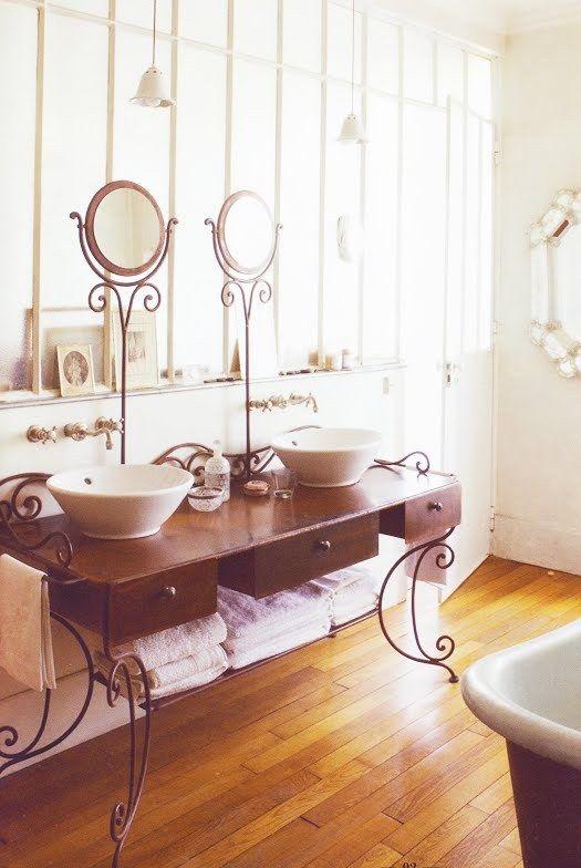 Un mueble de lavabo muy original y vintage