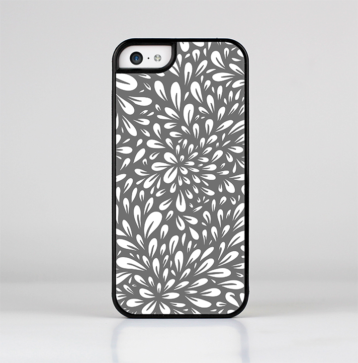 The Gray & White Floral Sprout Skin-Sert for the Apple iPhone 5c Skin-Sert Case