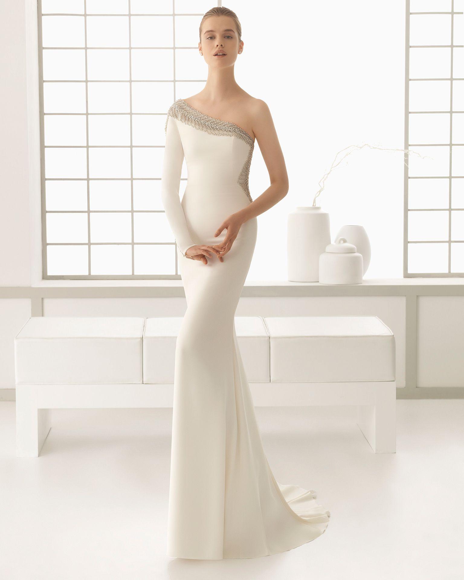 Ecru wedding dress  Tutta la superba eleganza della collezione di rosaclara si esprime