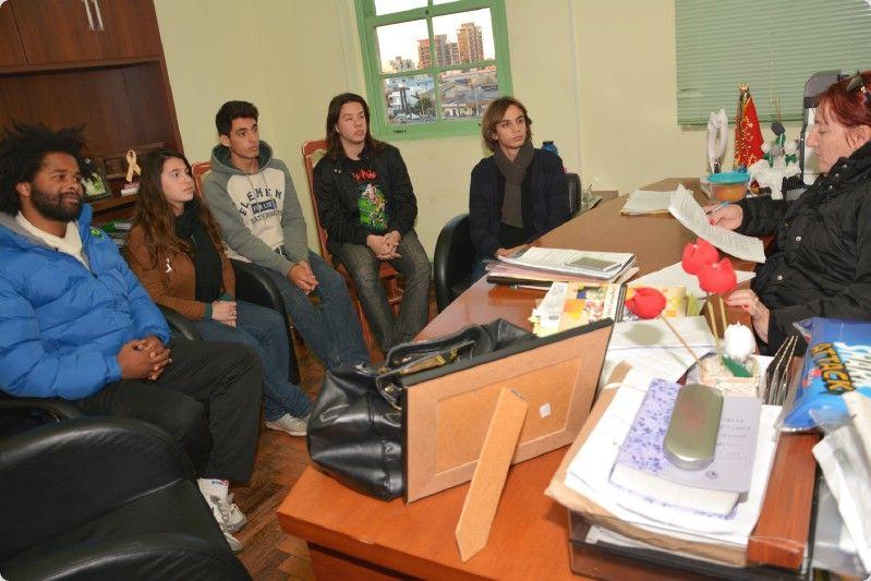 Dia da Juventude: data é comemorada com atividade do Com Jovem