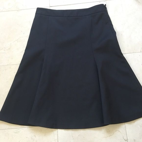 """Theory skirt. Gorgeous!!!! Size 4. Black. Gorgeous Black Theory skirt, approximately knee length (measurements in pictures)...I'm 5'5"""" and it falls an inch below my knee. In excellent condition, absolutely beautiful. Theory Skirts Midi"""