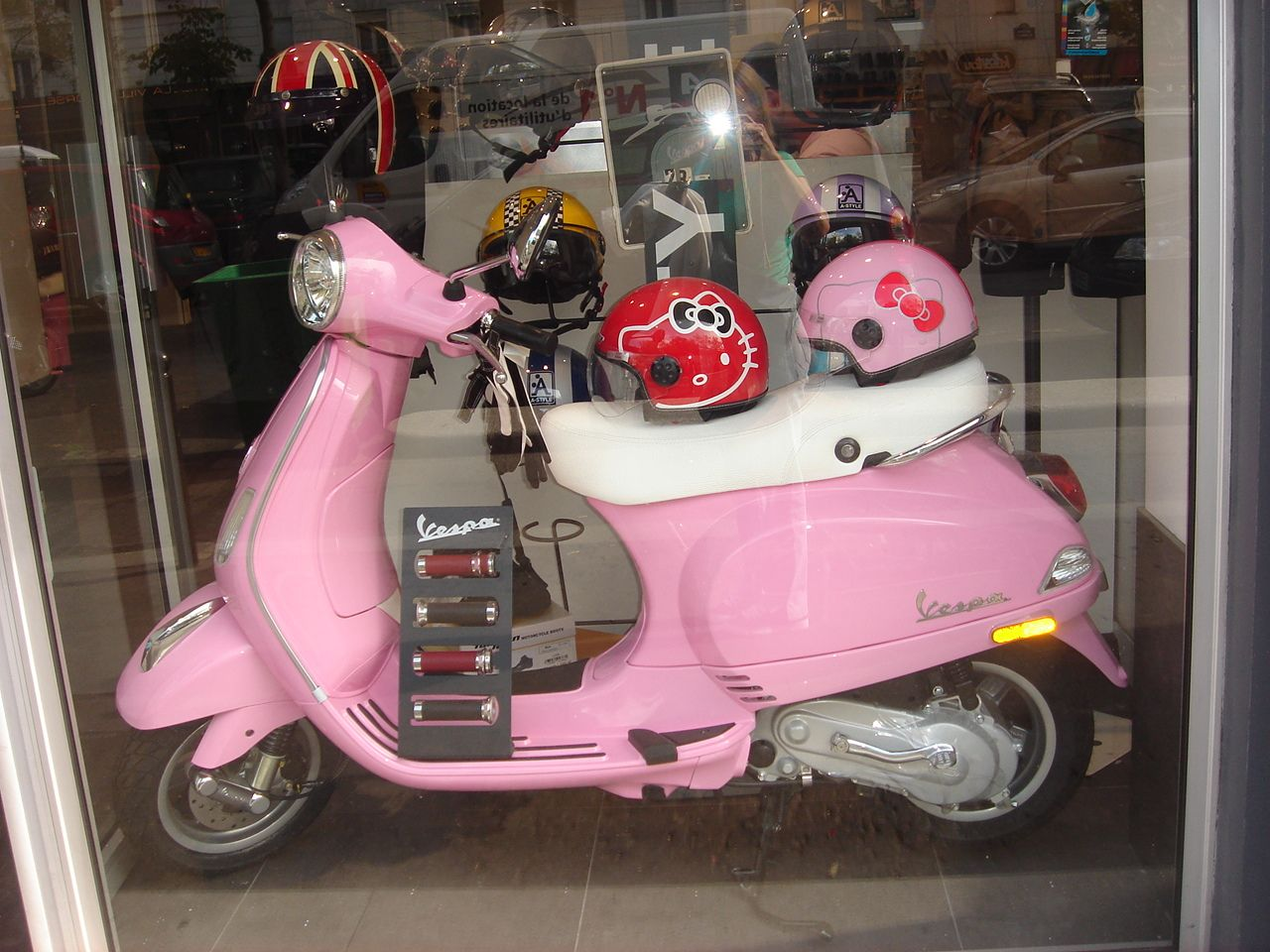Hello, moto. Hello, Kitty.