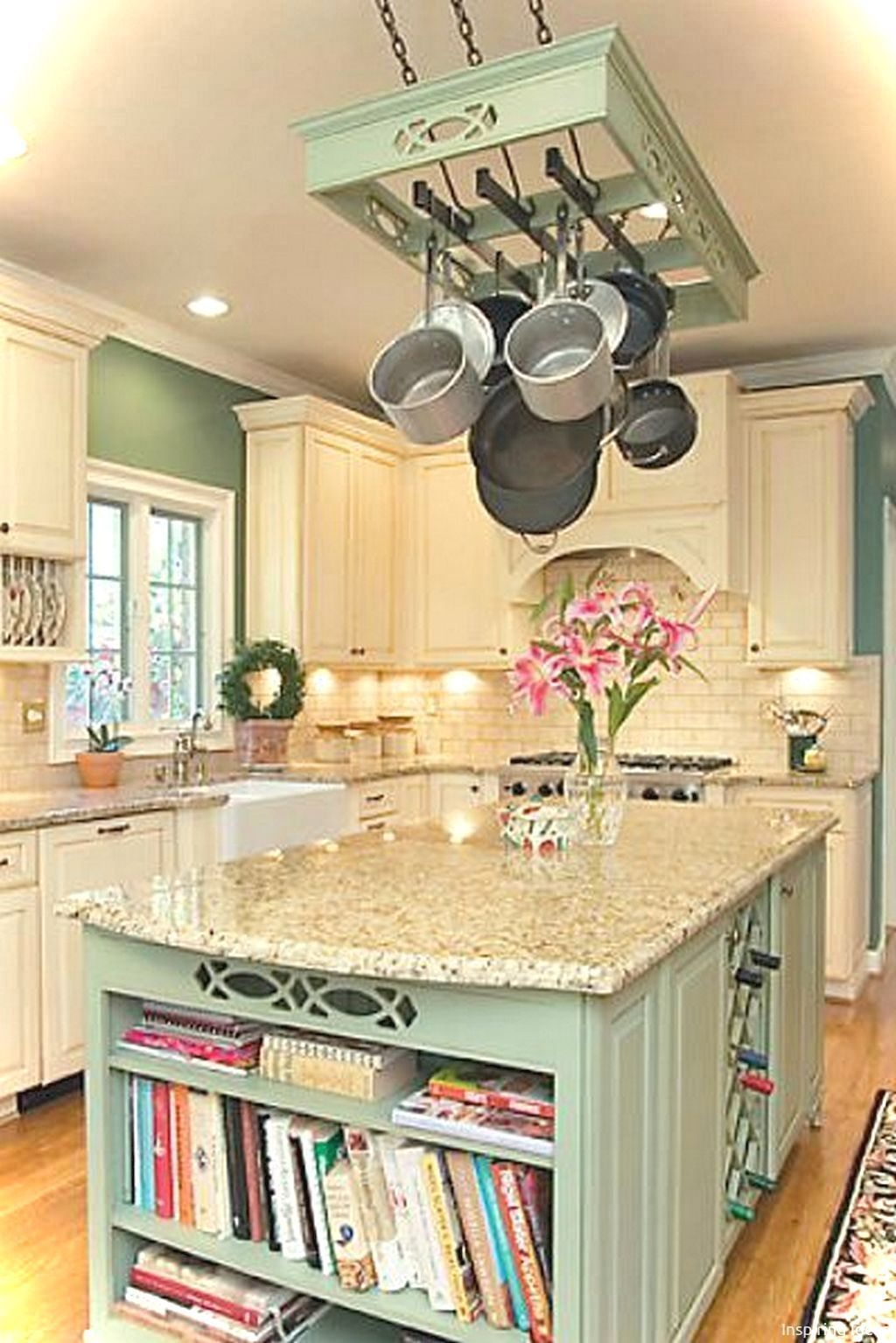 Gorgeous 44 Small Kitchen French Country Style Ideas Https