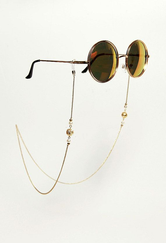 7b6aaabd5ea8 Not Include the Glasses !!! MATERIALS: 18K gold plated brass Copper filled  chain Faux Pearl MEASUREMENTS: Chain Length : 70 CM Check out other