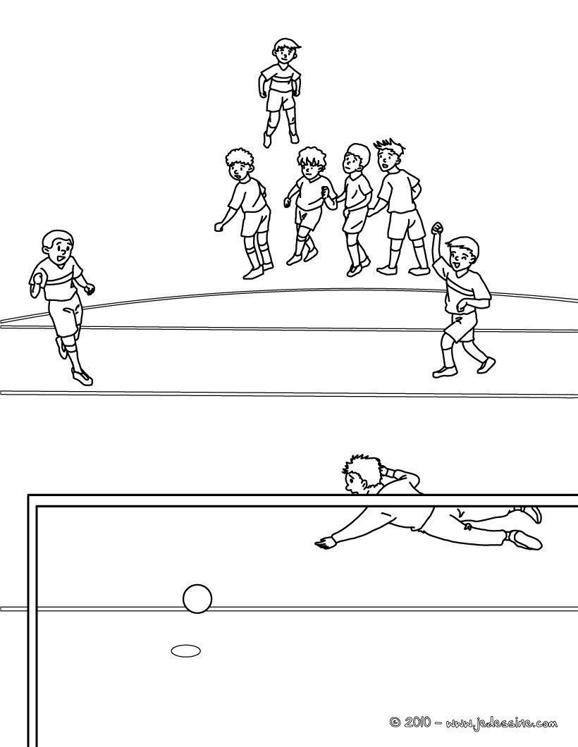 Coloriage d 39 un penalty pendant un match de foot un joli coloriage pour les enfants fans de - Coloriage gardien de foot ...
