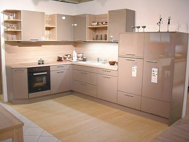Häcker-Musterküche moderne L-Küche mit Hochglanzfront