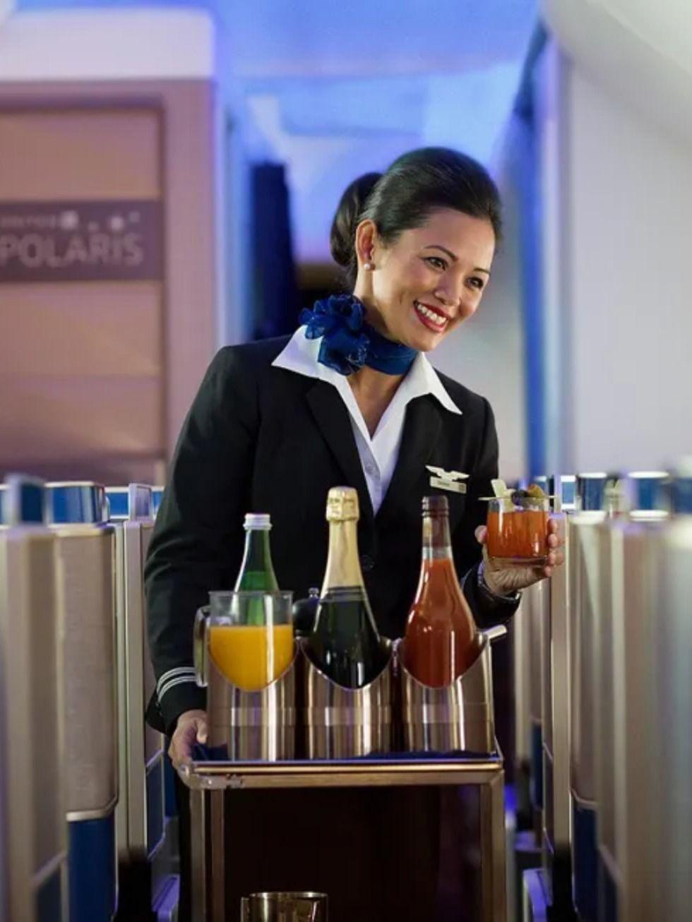 United Airlines Flight Attendant United Airlines Flight Attendant Airline Flights