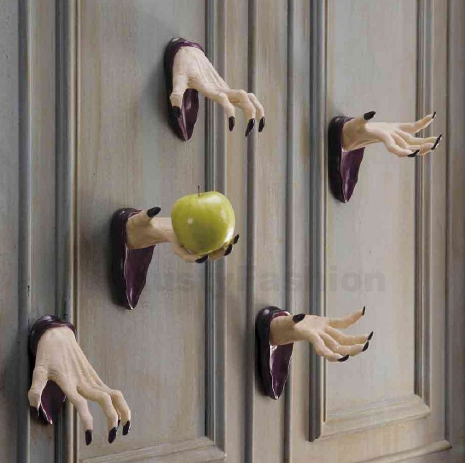 creative handmade indoor halloween decorations - Creative Halloween Door Decorations