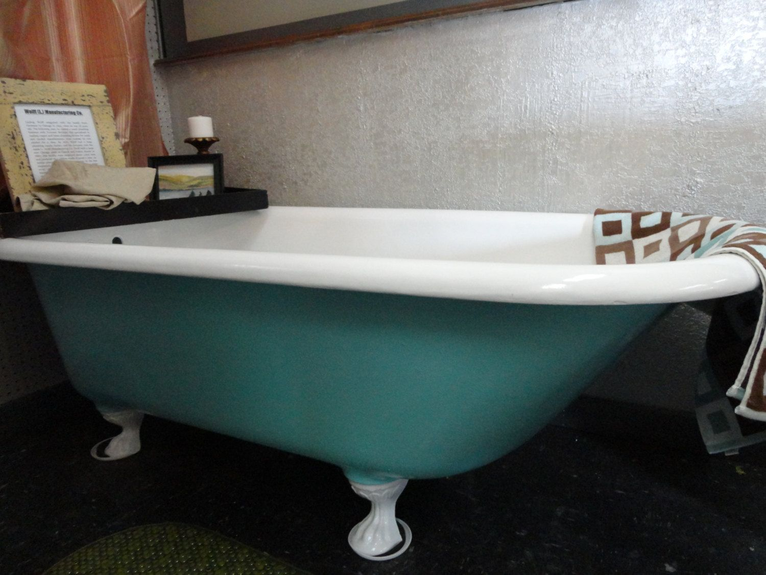 antique cast iron clawfoot tub. 25  off Coupon Code Holiday25 Claw Foot tub Cast Iron Antique 1907 Vintage Aqua