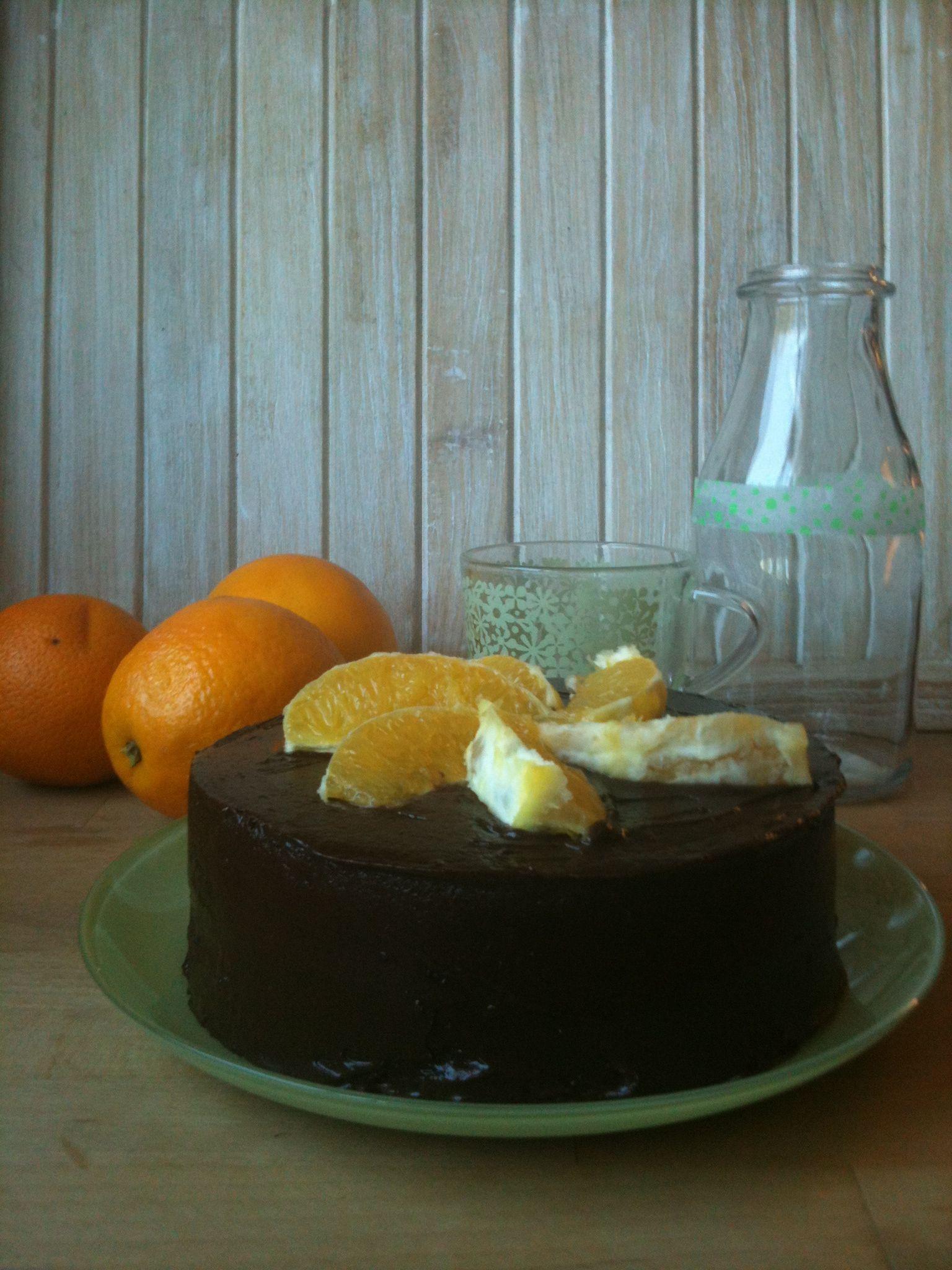 Tarta de naranja y ganache de chocolate negro
