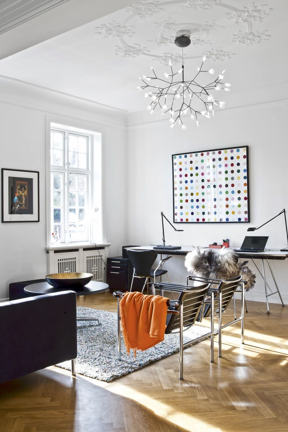 HERACLEUM II Pendant From Moooi, A Pair Of LeCorbusier LC1 Chairs By  Cassina, A