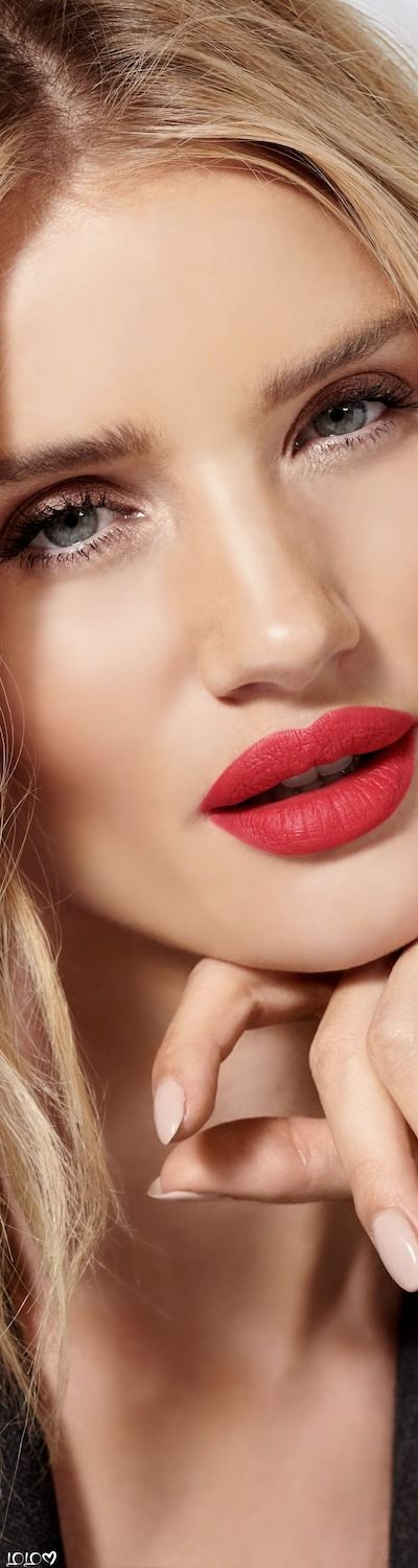 Rosie Huntington-Whiteley needs a lot of effort for