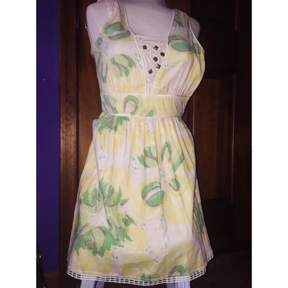 Free people dress Super cute dress. Only worn a few times. Excellent condition. One bead is a little loose but it's an easy fix Free People Dresses Midi