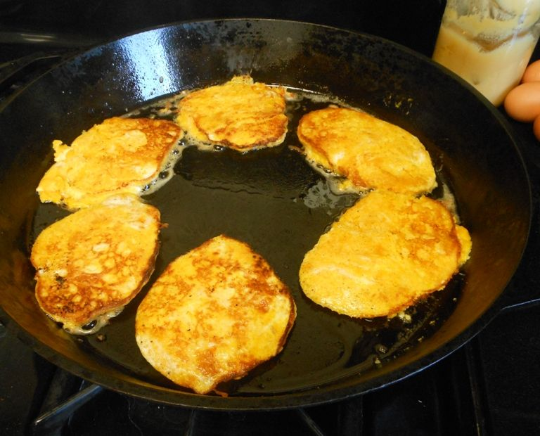 GAPS flourless butternut squash pancakes {made these with pumpkin puree & topped with pumpkin pie spice and maple syrup -- dee-licious}