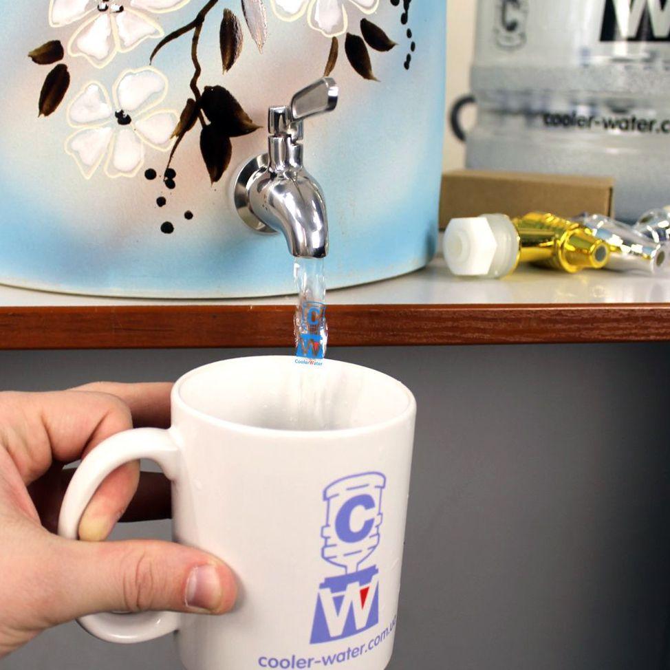 кофе со стаканом воды