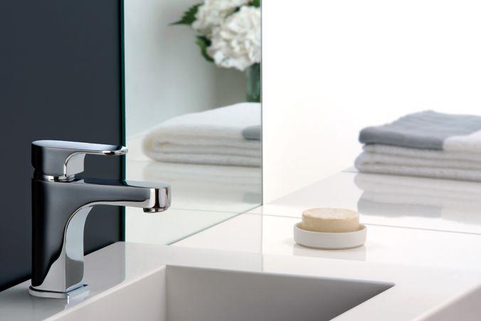 Da oggi nel negozio online trovi la Rubinetteria Gattoni Miscelatore Lavabo H2OMIX 1000 art.1041. http://www.ceramichefanigliulo.com/shop/it/rubinetti-bagno/48-gattoni-miscelatore-lavabo-h2omix-1000.html