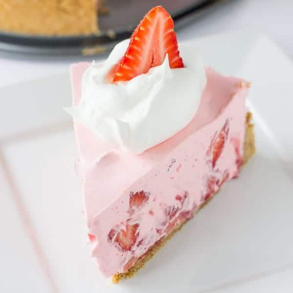 No-Bake Strawberry and Cream Pie | The Recipe Critic