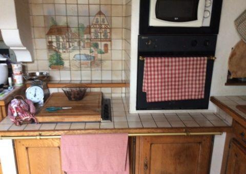 Donne Cuisine équipée chªne massif meuble et électroménager