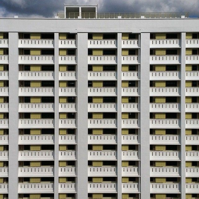 Asymmetric Storeys. #accommodation #publichousing #singapore #hongkong #home #hdb by lowjoojing