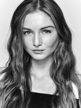 Germany S Next Topmodel Bilder Model Sedcard Portrat Ideen