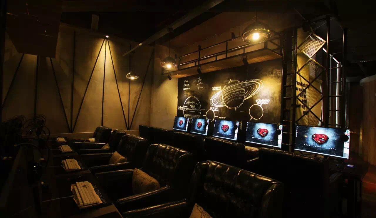 Internet Cafe In Hua Guo Yuan Loft Cafe Cafe Interior Design