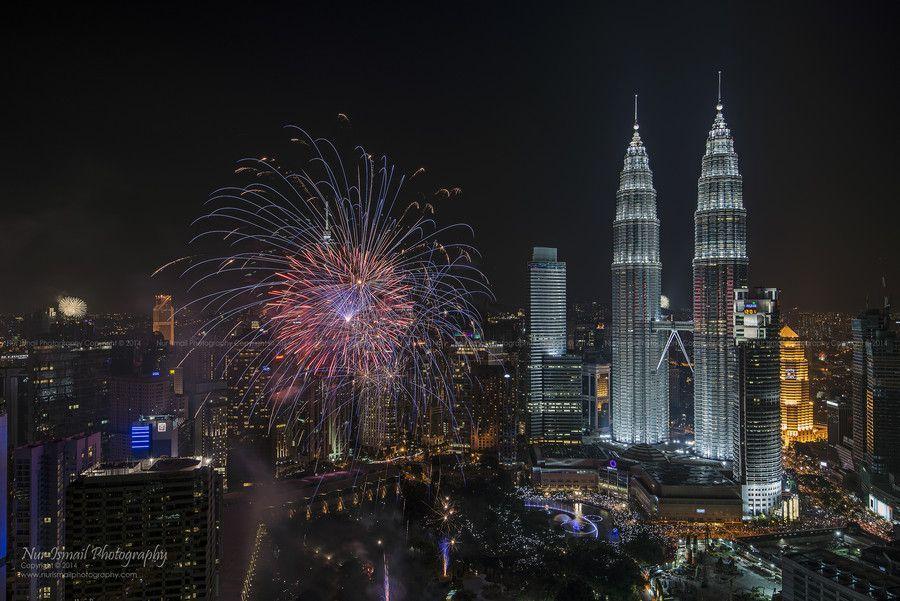 New Year 2014 Celebration Fireworks Display by Nur Ismail