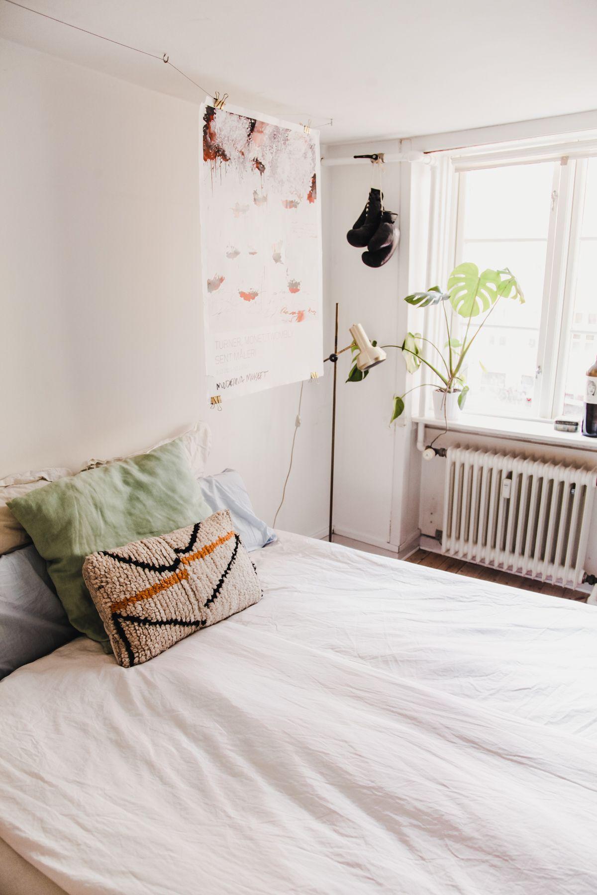 Two Duvets System In Scandinavia Duvet Scandinavian Bedding Bedding Brands