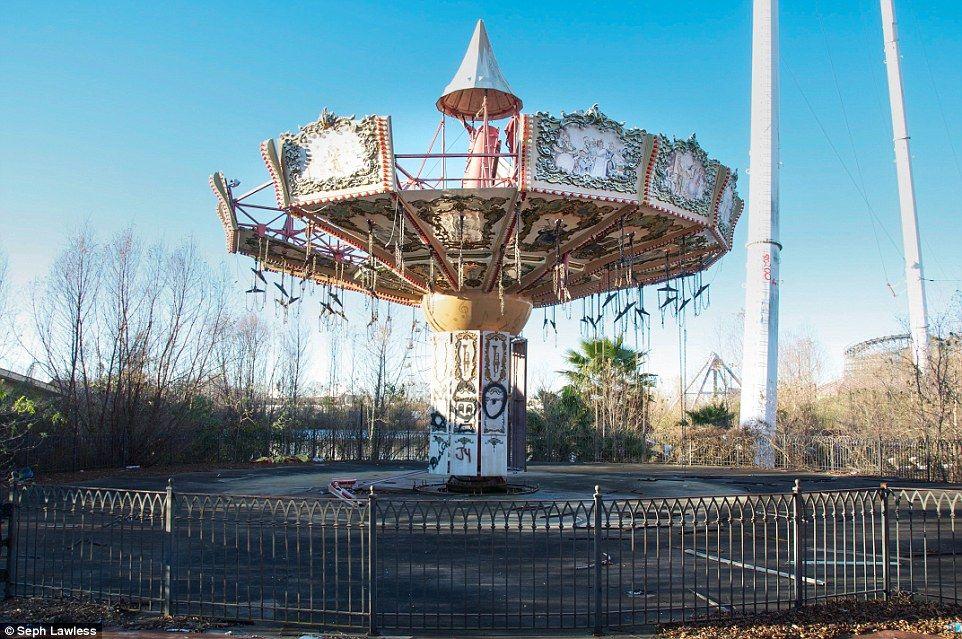 Fun Mountain Park Gatlinburg Tn Chair Swing - 10 years hurricane katrina six flags theme park new orleans still lies abandoned 10 years