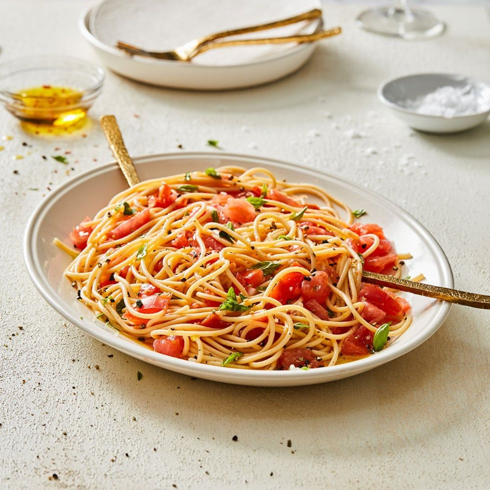 No Cook Tomato Pasta Sauce Recipe Fresh Tomato Pasta Pasta Sauce With Fresh Tomatoes How To Cook Pasta