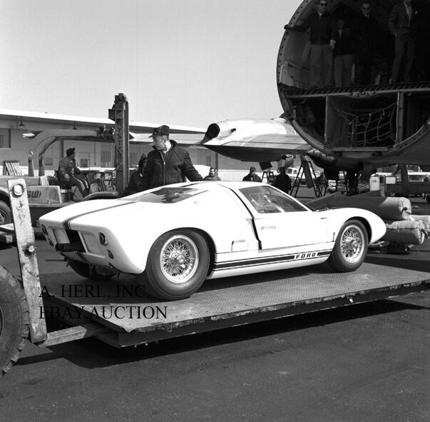 Ford GT40  McLaren and Hill unloading from airplane 1964 24 Hours Le Mans photo $9.75