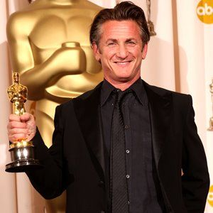 Th Academy Awards  Sean Penn Winner Of The Best Actor Oscar For His Performance In Mystic River