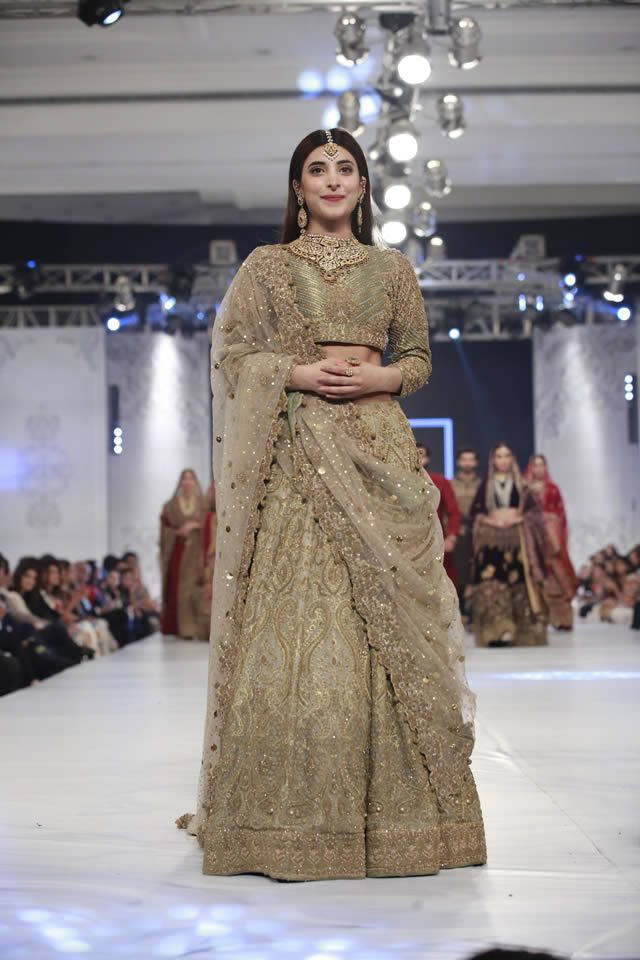 5 Awesome Designer Bridal Dresses From L Oreal Week 2017 Here We Are Shearing With You Superb Creation Of Stan Leading Fashion