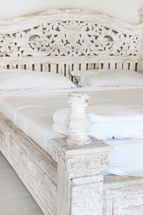 Vintage möbel weiss ikea  Statt zu Krakelieren kann man den Lack an den Kanten einfach ...