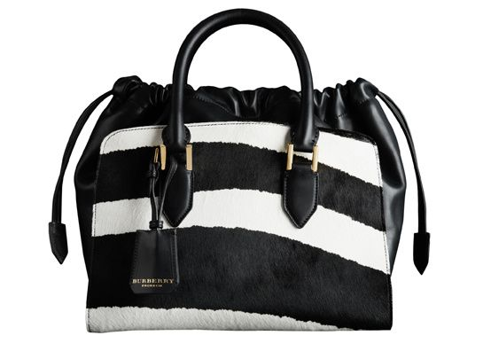 Burberry sac a main zebre http://www.vogue.fr/mode/shopping/diaporama/shopping-imprime-zebre-rayures-animales/14664/image/808564#!burberry-sac-a-main-zebre