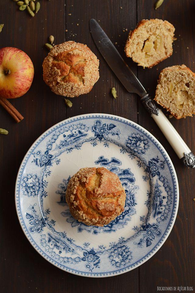 Bocadinhos de Açúcar: Muffins de Maçã com streusel de canela e cardamomo